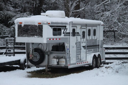Horse trailer in the snow
