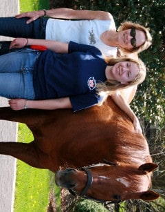 Kentucky Derby winner Thunder Gulch with Dr. Laura Durham-Dixon and her daughter Leslie.